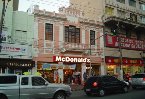 McDonald condenada a pagar $ 4 millones de multa