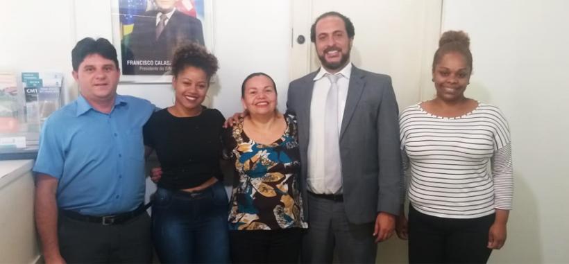 Jurídico de Taboão garante R$ 37 mil a atendente por demissão indevida
