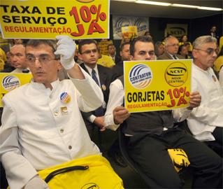 Aposentadoria especial do garçom e regulamentação da taxa de serviço: comitiva do Sinthoresp está chegando a Brasília!