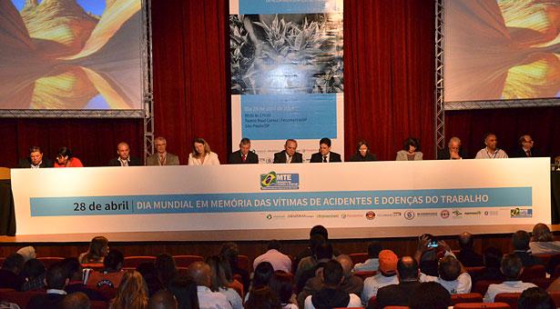 MTE realiza evento em memória das vítimas de acidentes e doenças do trabalho