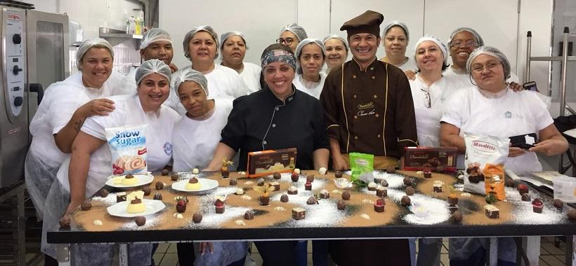 ESCOLA DE HOTELARIA: Mavalério ministra aula especial para os alunos do Curso de Confeitaria