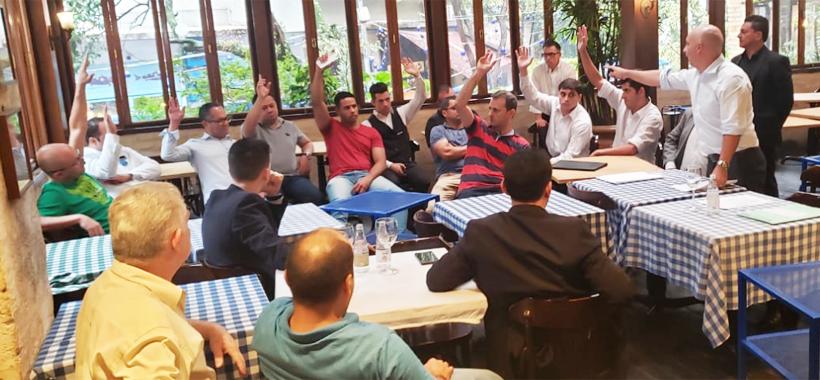 Trabalhadores da rede Mancini aprovam acordo de gorjeta