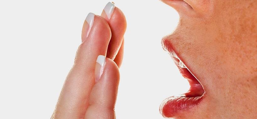 Saúde bucal: O que causa o mau-hálito e como tratar